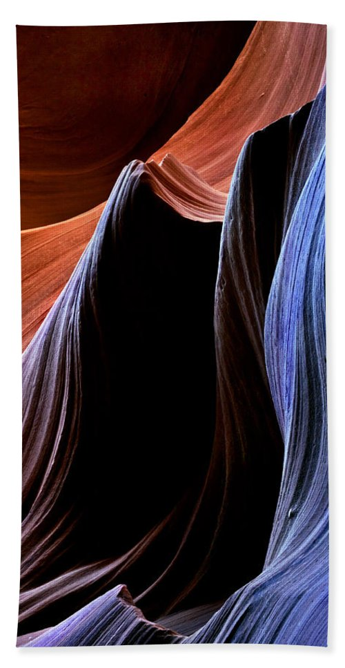Sandstone Bath Towel featuring the photograph Waves by Mike Dawson