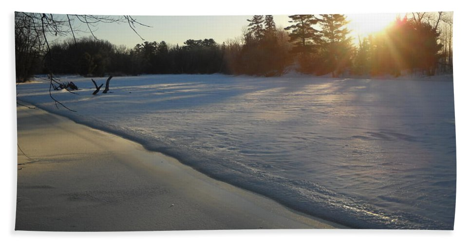 Mississippi River Bath Sheet featuring the photograph Waves Of Snow On An Ice Beach by Kent Lorentzen