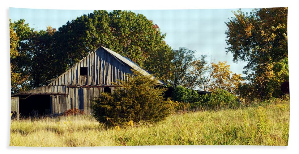 Barn Bath Sheet featuring the photograph Weathered Barn In Fall by Cricket Hackmann