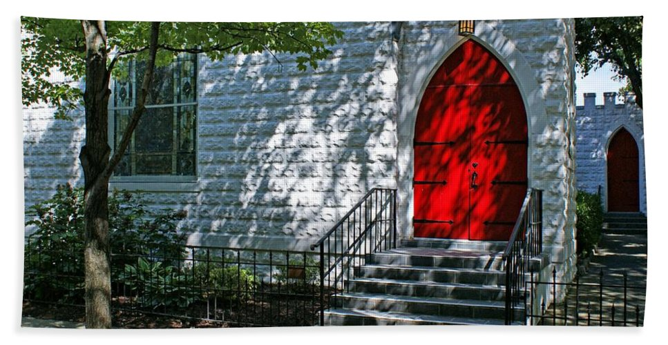 Church Hand Towel featuring the photograph Welcome by Sandy Keeton