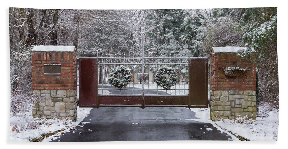 America Hand Towel featuring the photograph Welcome To Winter by Jennifer White