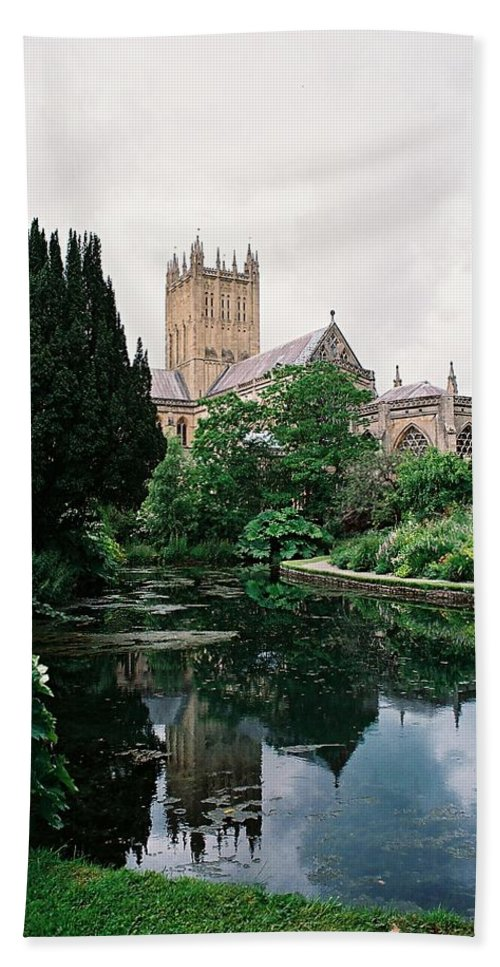 Wells Hand Towel featuring the photograph Wells Cathedral by Lauri Novak