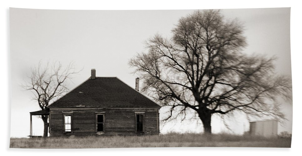 Texas Bath Towel featuring the photograph West Texas Winter by Marilyn Hunt