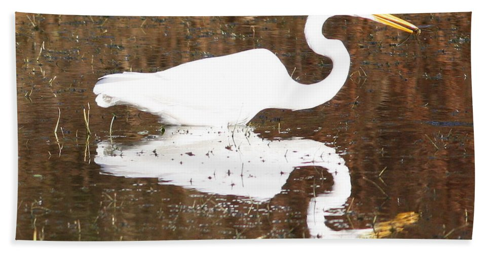 Egret Hand Towel featuring the photograph What The Egret Caught by Carol Groenen