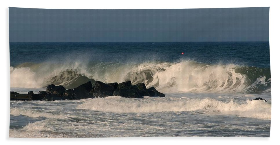 Jersey Shore Bath Towel featuring the photograph When The Ocean Speaks - Jersey Shore by Angie Tirado