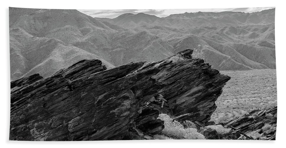 Rock Formation Bath Towel featuring the photograph Where Andreas Meets Murray Bw 1 by Scott Campbell