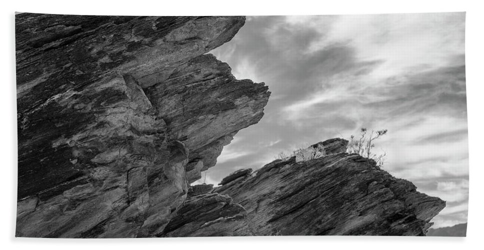 Rock Formation Bath Towel featuring the photograph Where Andreas Meets Murray Bw 3 by Scott Campbell