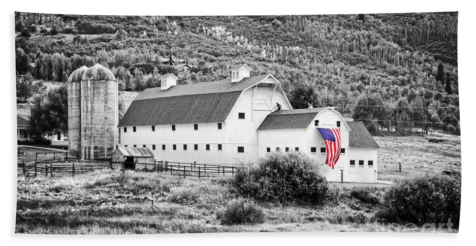 Barn Hand Towel featuring the photograph White Barn by Delphimages Photo Creations