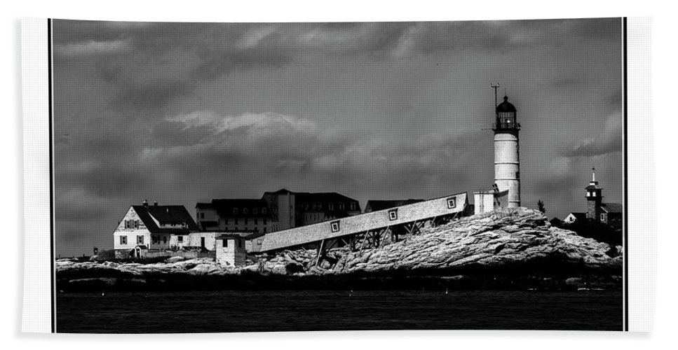 Black And White Bath Sheet featuring the photograph White Island Lighthouse by Rick Blood