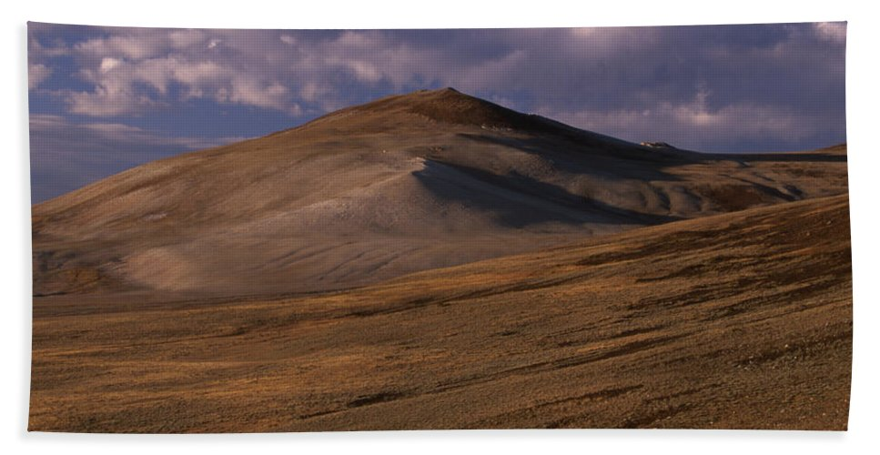 White Mountains Hand Towel featuring the photograph White Mountains by Soli Deo Gloria Wilderness And Wildlife Photography