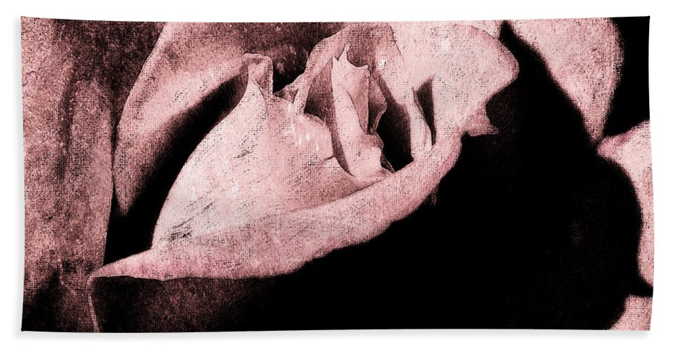 Antique Pink Hand Towel featuring the digital art White Queen by Max Steinwald