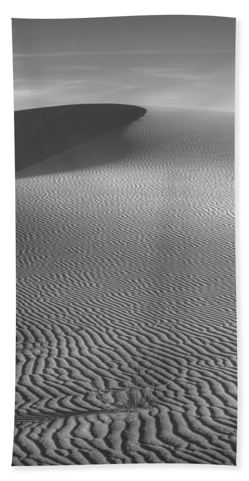 Black & White Bath Sheet featuring the photograph White Sands Sunset Dune by Peter Tellone