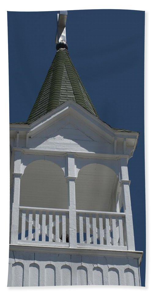 Church Bath Sheet featuring the photograph White Steeple by Sara Stevenson