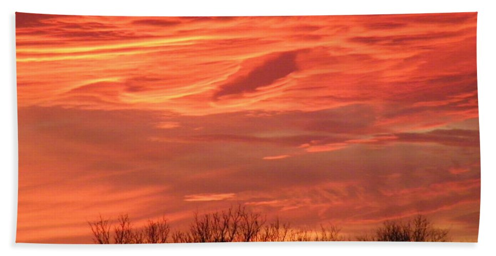 Sunset Bath Sheet featuring the photograph Who Needs Jupiter by Gale Cochran-Smith