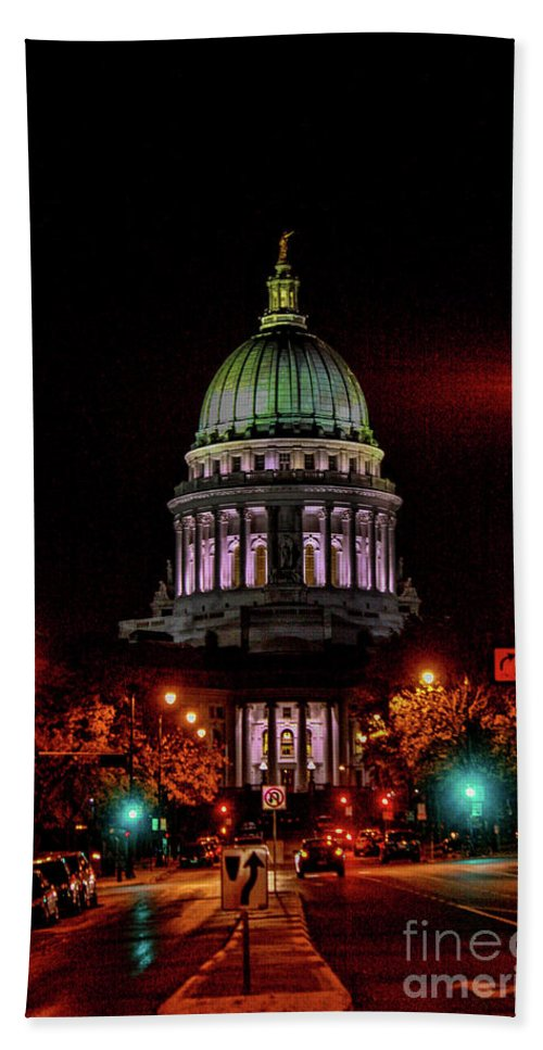 Madison Hand Towel featuring the photograph Wi State Capitol From West Washington Ave by Tommy Anderson