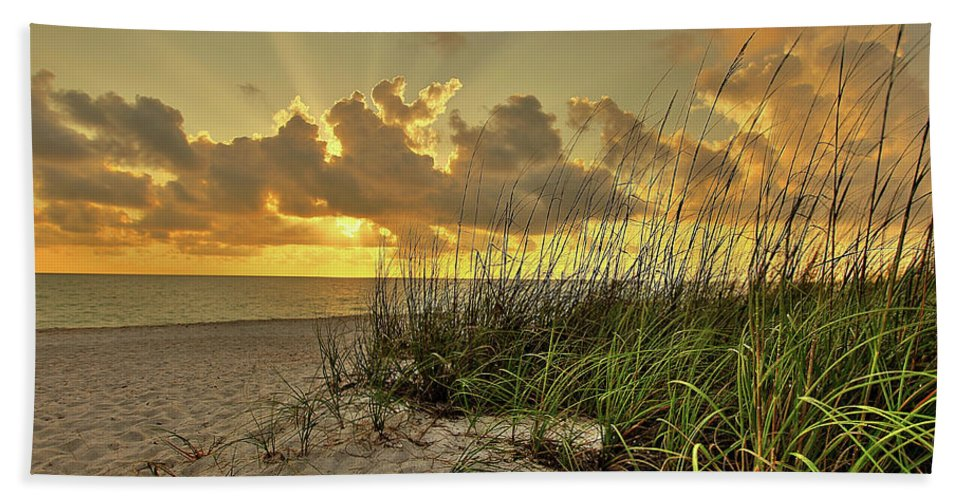 Landscapes Hand Towel featuring the photograph Wiggins Pass Sunset by Dennis Goodman