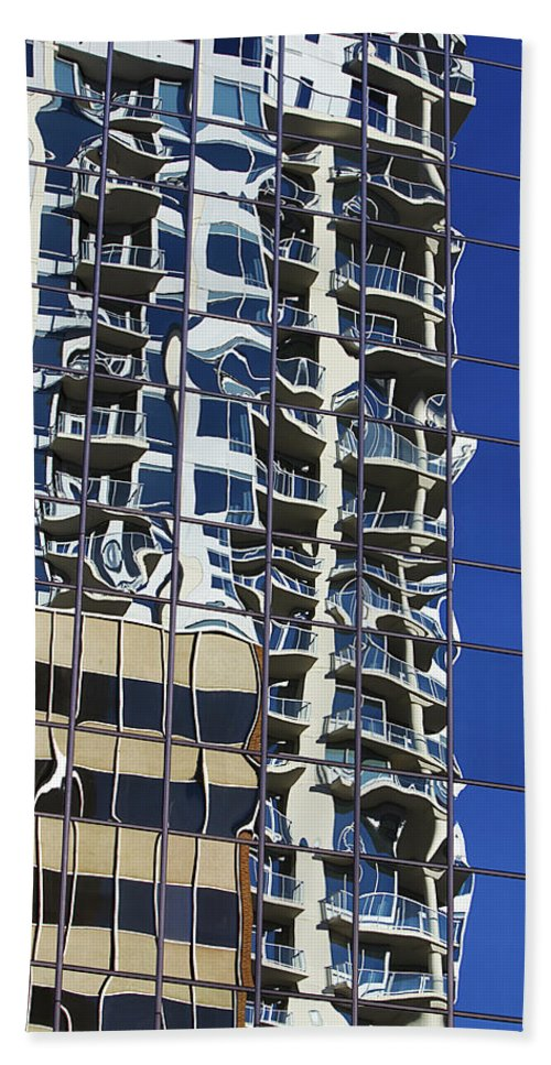 Building Hand Towel featuring the photograph Wiggly Balconies by Phyllis Denton