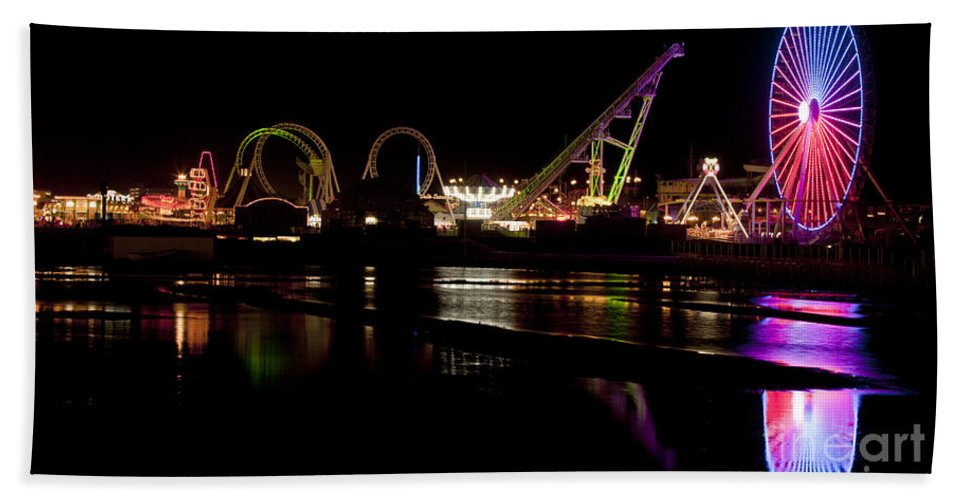 New Jersey Bath Sheet featuring the photograph Wildwood New Jersey by Anthony Totah