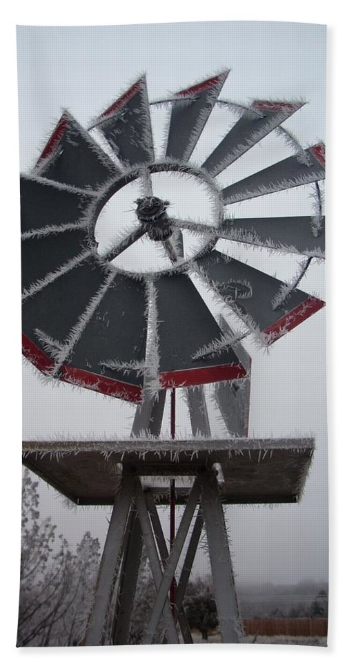 Windmill Hand Towel featuring the photograph Windmill Frost by Sara Stevenson