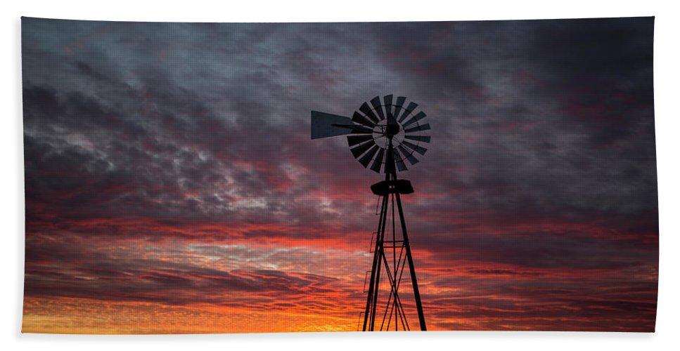 Kansas Hand Towel featuring the photograph Windmill Sunset 21815 by Chris Harris