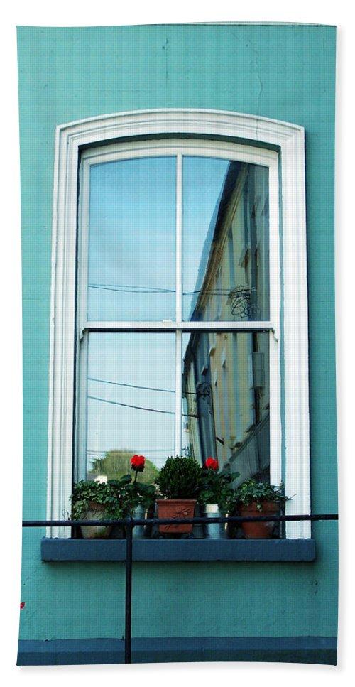 Irish Bath Towel featuring the photograph Window In Ennistymon Ireland by Teresa Mucha