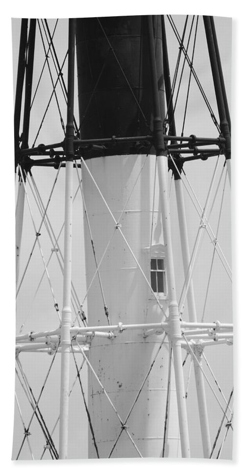 Landscape Hand Towel featuring the photograph Window Lighthouse by Rob Hans