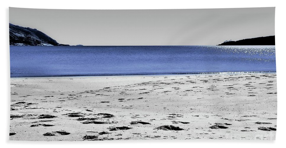 Digital Selective Color Photo Hand Towel featuring the digital art Wineglass Bay Sc by Tim Richards