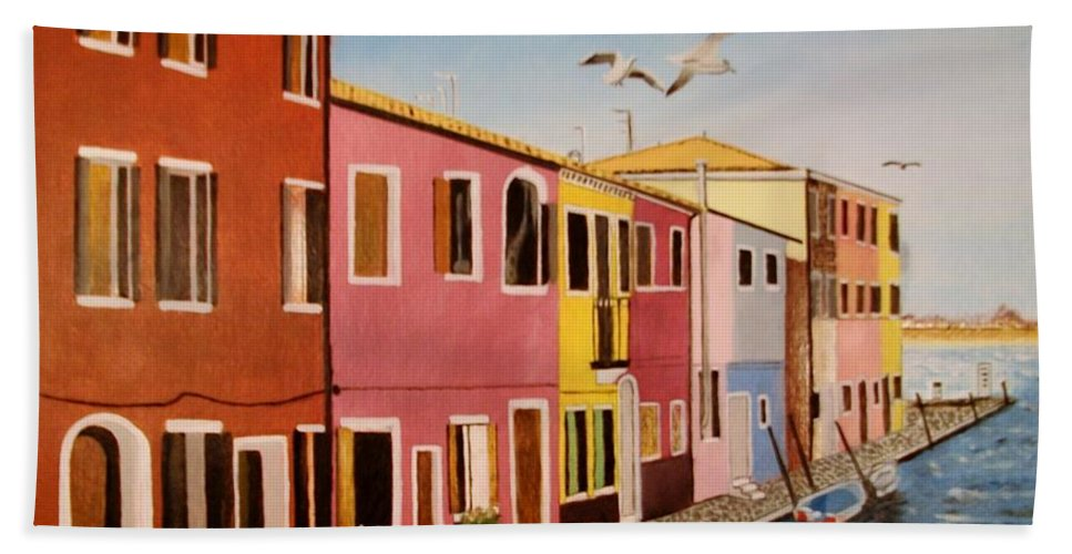 Venice Hand Towel featuring the painting Wingin It In Venice by Tim Smith