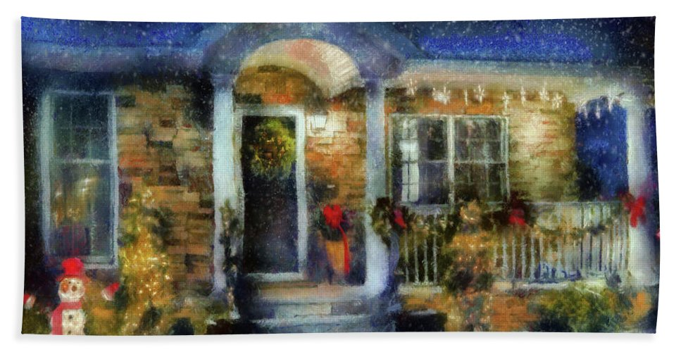 Savad Bath Sheet featuring the photograph Winter - Christmas - Dressed Up For The Holidays by Mike Savad