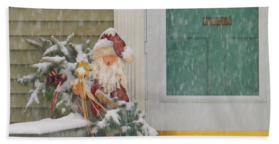Savad Bath Sheet featuring the photograph Winter - Christmas - Oh Oh Brrr by Mike Savad