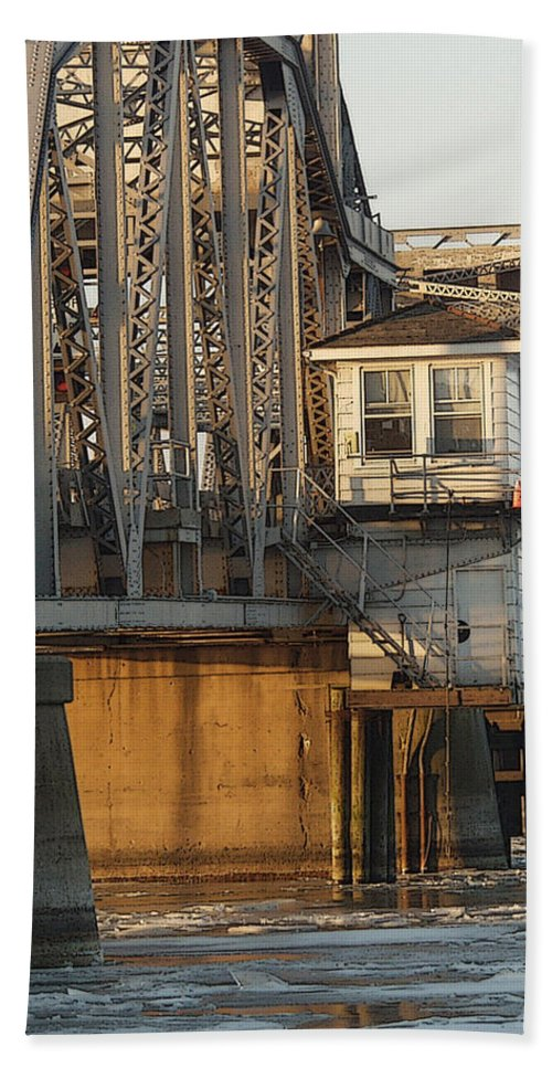 Bridge Bath Towel featuring the photograph Winter Bridgehouse by Tim Nyberg