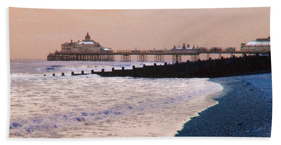 Winter Hand Towel featuring the photograph Winter Pier by Heather Lennox