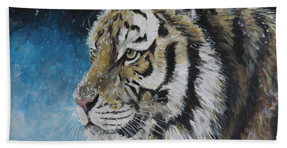 Tiger Hand Towel featuring the painting Winter Tiger by Duncan Sawyer