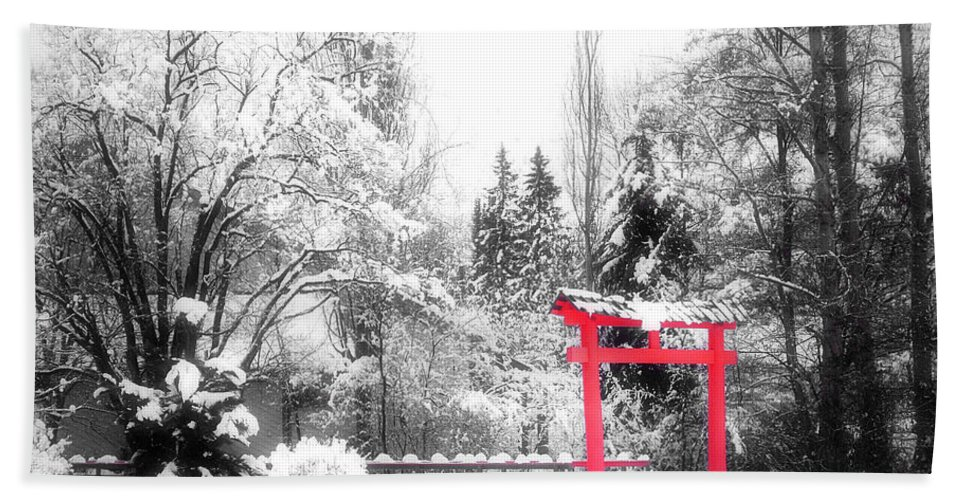 Japanese Gardens Hand Towel featuring the photograph Winter's Entrance by Tara Turner