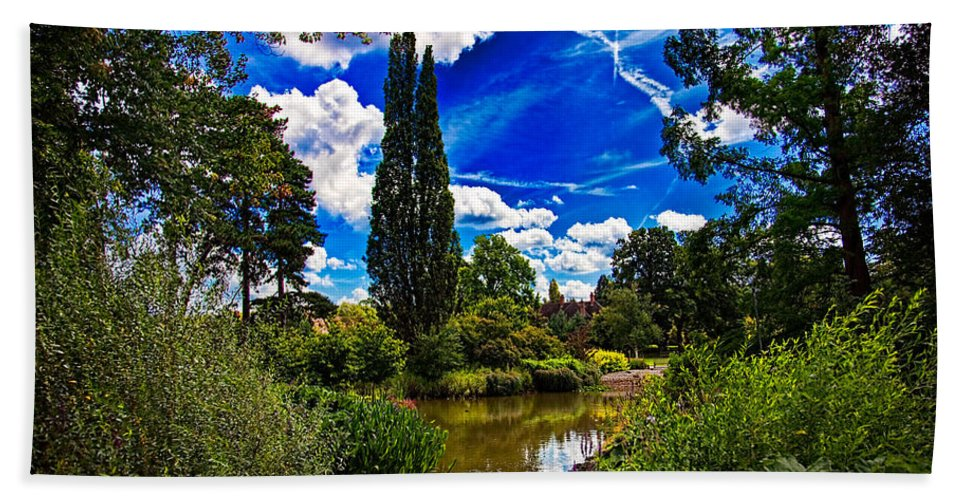 Garden Hand Towel featuring the photograph Wisley Gardens by Chris Lord