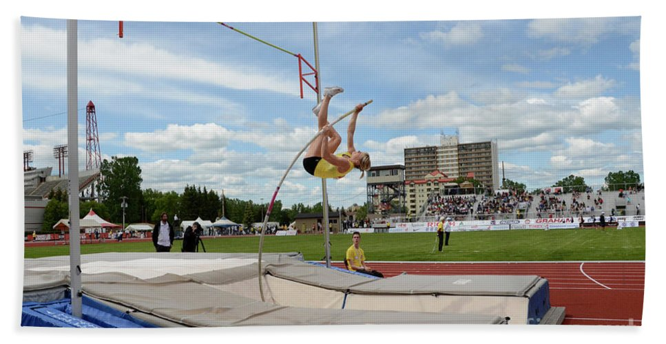 Canadian Track And Field National Championships 2011 Bath Sheet featuring the photograph Womens Pole Vault 2 by Bob Christopher