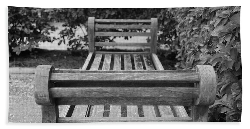 Bushes Bath Towel featuring the photograph Wooden Bench by Rob Hans