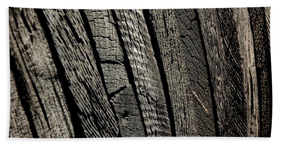 Usa Hand Towel featuring the photograph Wooden Water Wheel by LeeAnn McLaneGoetz McLaneGoetzStudioLLCcom