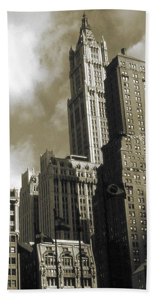 New+york Hand Towel featuring the photograph Old New York Photo - Historic Woolworth Building by Peter Potter