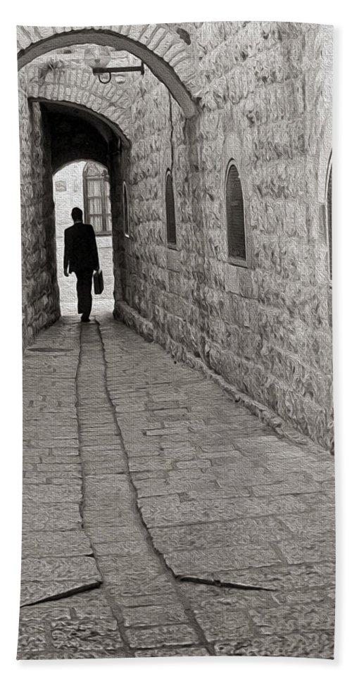 Jerusalem Hand Towel featuring the photograph Work by Munir Alawi