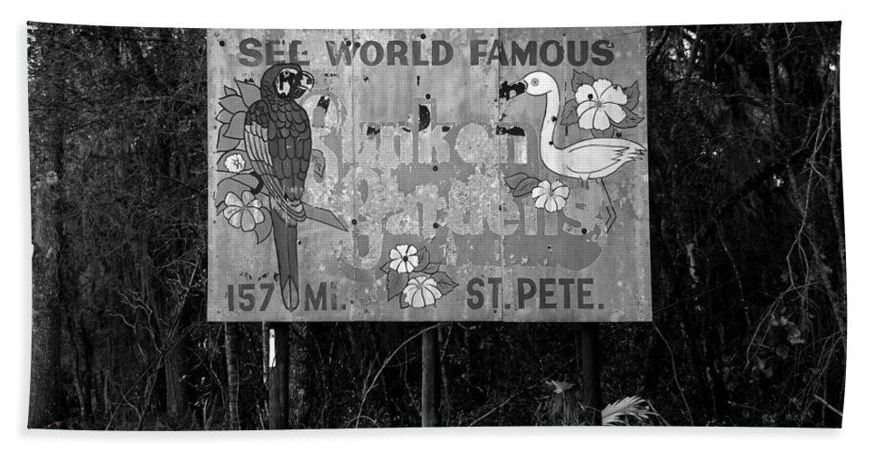 Sunken Gardens Florida Hand Towel featuring the photograph World Famous Sunken Gardens by David Lee Thompson