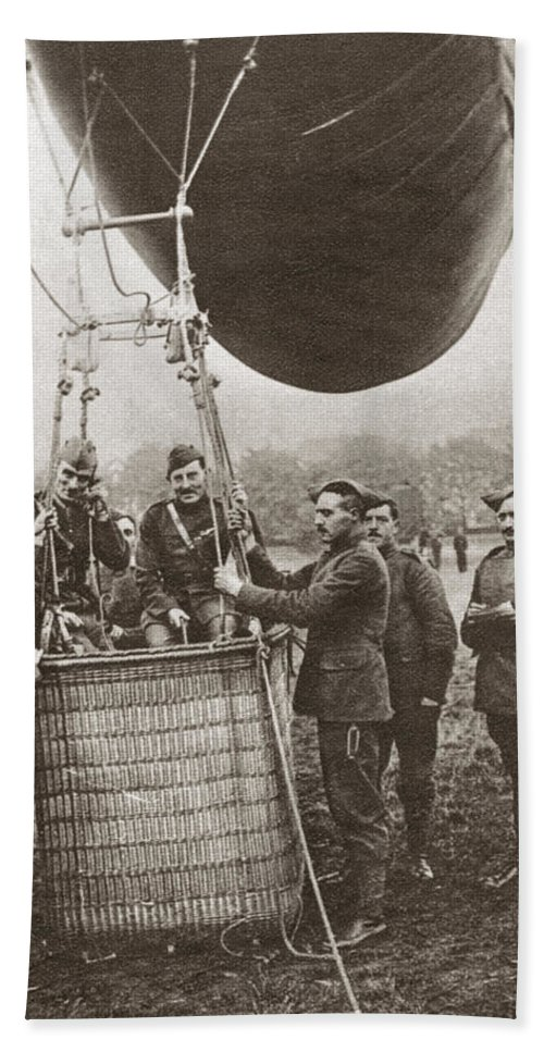 1914 Bath Sheet featuring the photograph World War I: Balloon by Granger