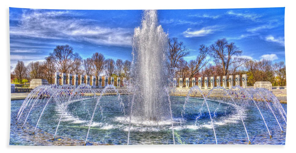 Photography Hand Towel featuring the photograph World War II Memorial by Paul Wear