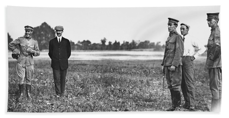 1909 Bath Sheet featuring the photograph Wright Brothers, 1909 by Granger