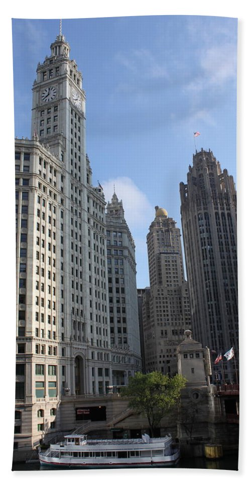 Chicago Hand Towel featuring the photograph Wrigley And Tribune Tower by Lauri Novak