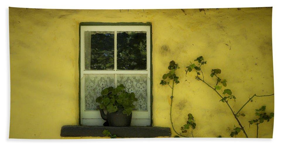 Irish Bath Towel featuring the photograph Yellow House County Clare Ireland by Teresa Mucha