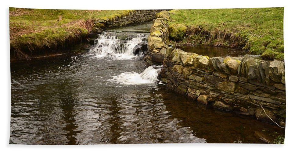 Yew Tree Tarn Hand Towel featuring the photograph Yew Tree Tarn Overflow by Smart Aviation
