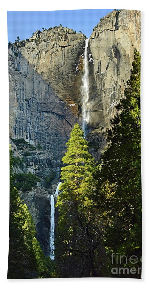 Yosemite Falls Hand Towel featuring the photograph Yosemite Falls With Late Afternoon Light In Yosemite National Park. by Jamie Pham