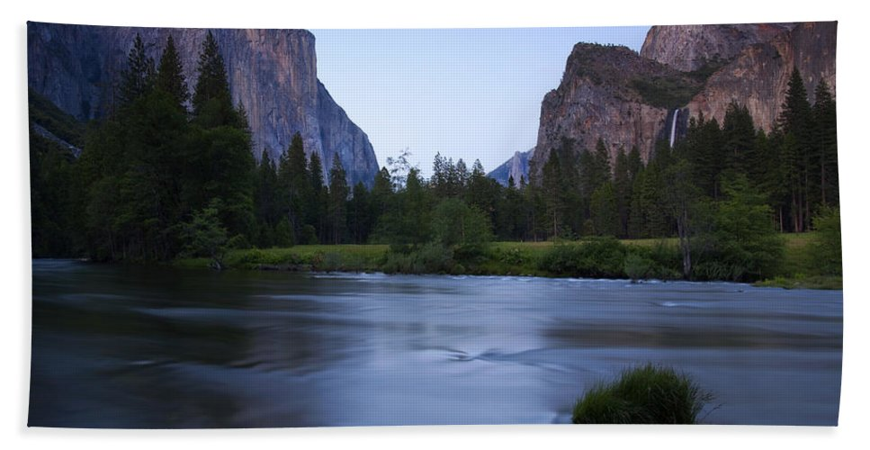 Yosemite Hand Towel featuring the photograph Yosemite Twilight by Mike Dawson