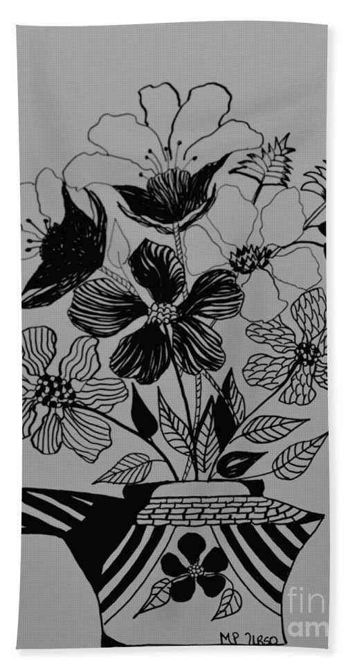 Zentangle 16-01 Hand Towel featuring the drawing Zentangle 16-01 by Maria Urso
